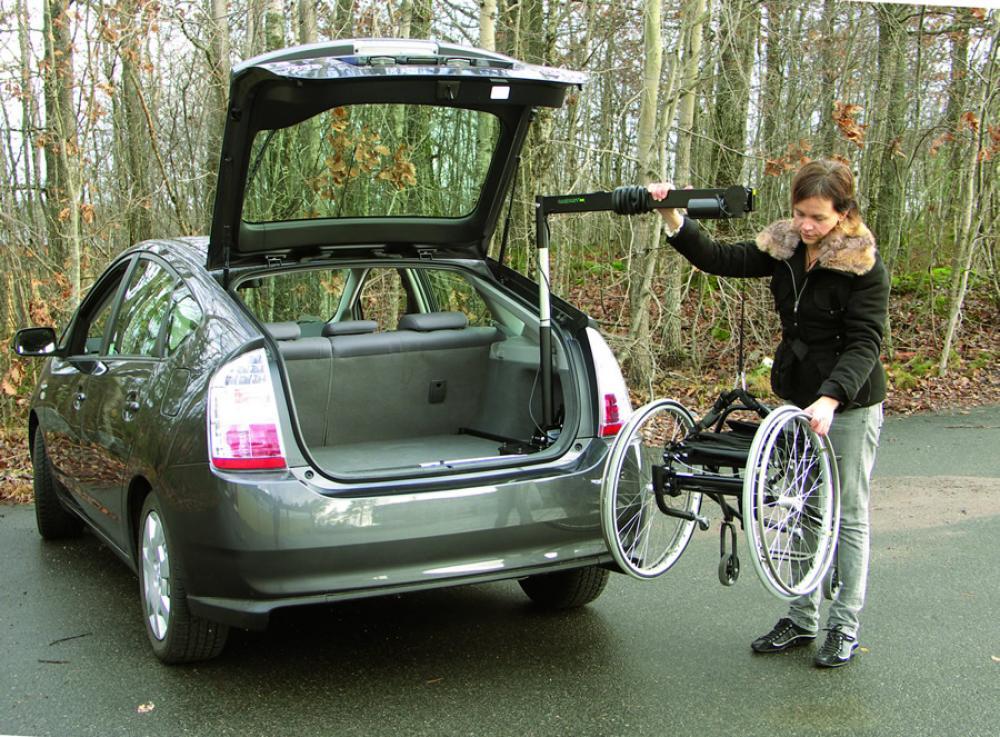 El vateur pour chaise roulante coffre carolift 40 mees for Chaise de voiture