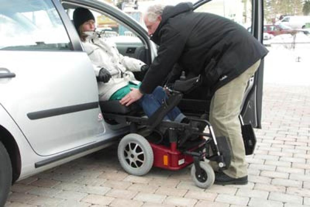 Caronygo combinaison chaise roulante chaise tournante for Chaise de voiture pour bb